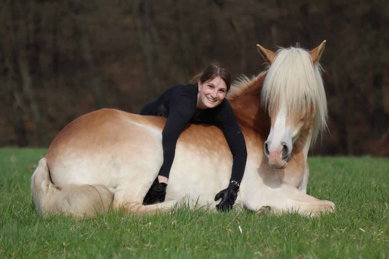 wie lang braucht pferdemähne zu wachsen